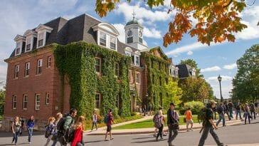 universities in New Brunswick