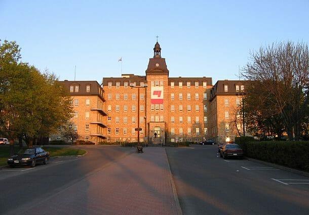 universities in quebec